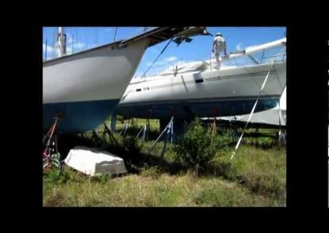 Inspection of a 1983 37' Endeavour 37B Sloop - Suenos Azules Marine Surveying and Consulting